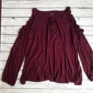 KENSIE Maroon Cold Shoulder Ruffle Long Sleeve Top